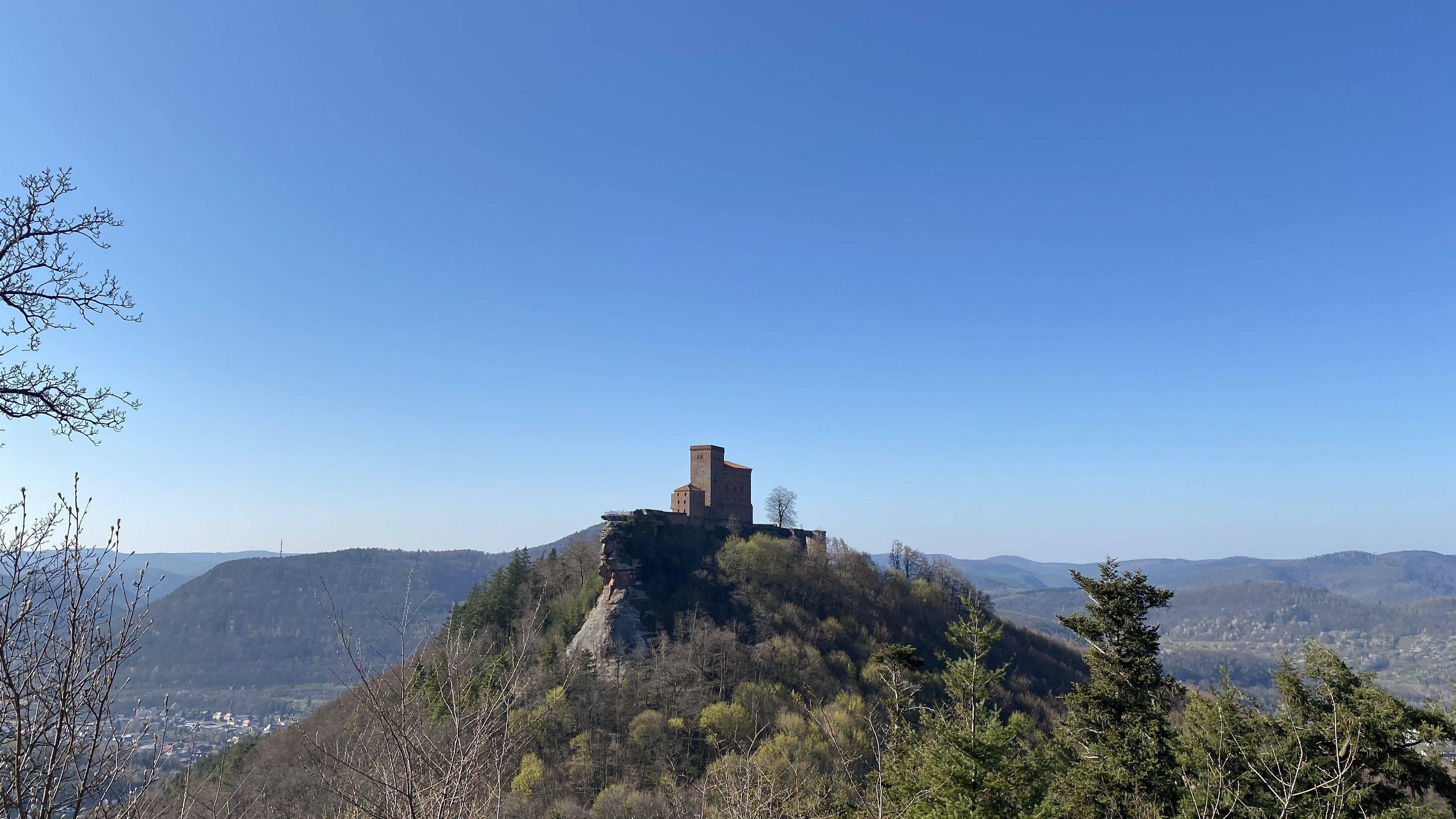 Burg Trifels: Wandern auf dem Buntsandsteinpfad