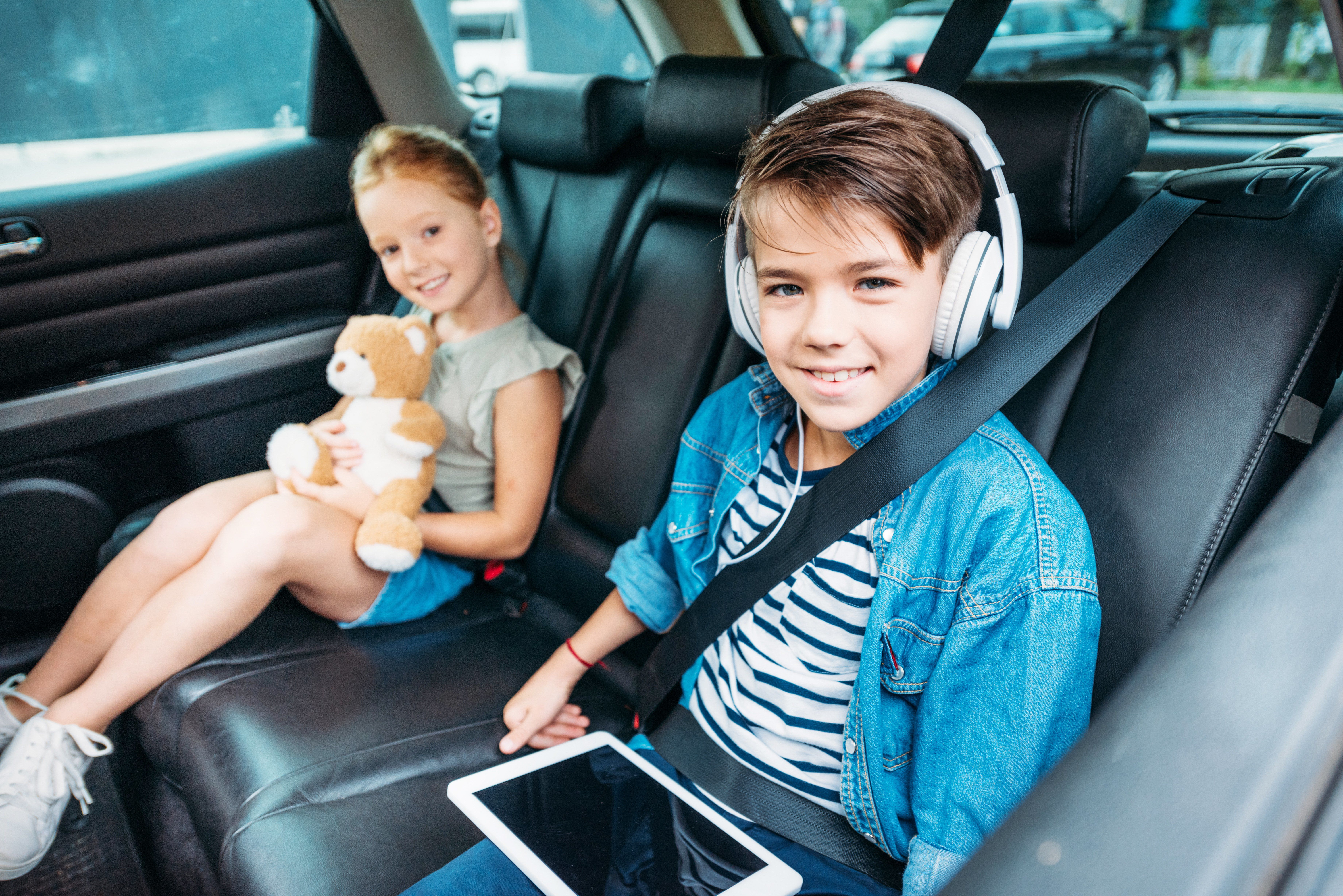 lange Autofahrten mit Kinder – Tipps für eine stressfreie Fahrt