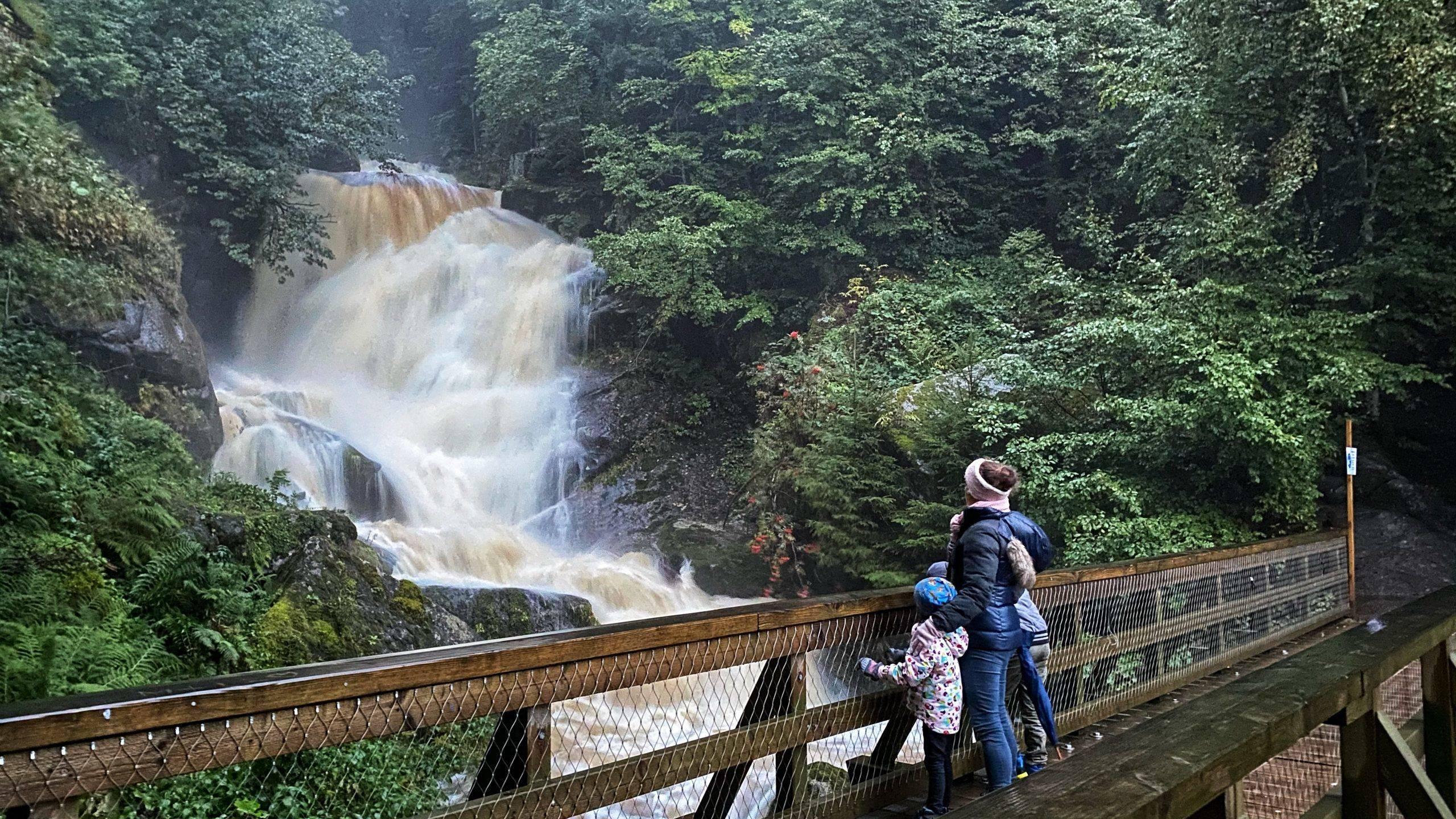Triberger Wasserfälle im Schwarzwald – ein tosender Familienausflug für die ganze Familie
