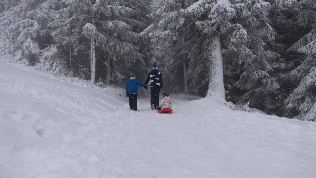 Schwarzwald Schnee Familie